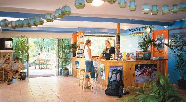 Calypso Inn Backpackers Resort Cairns
